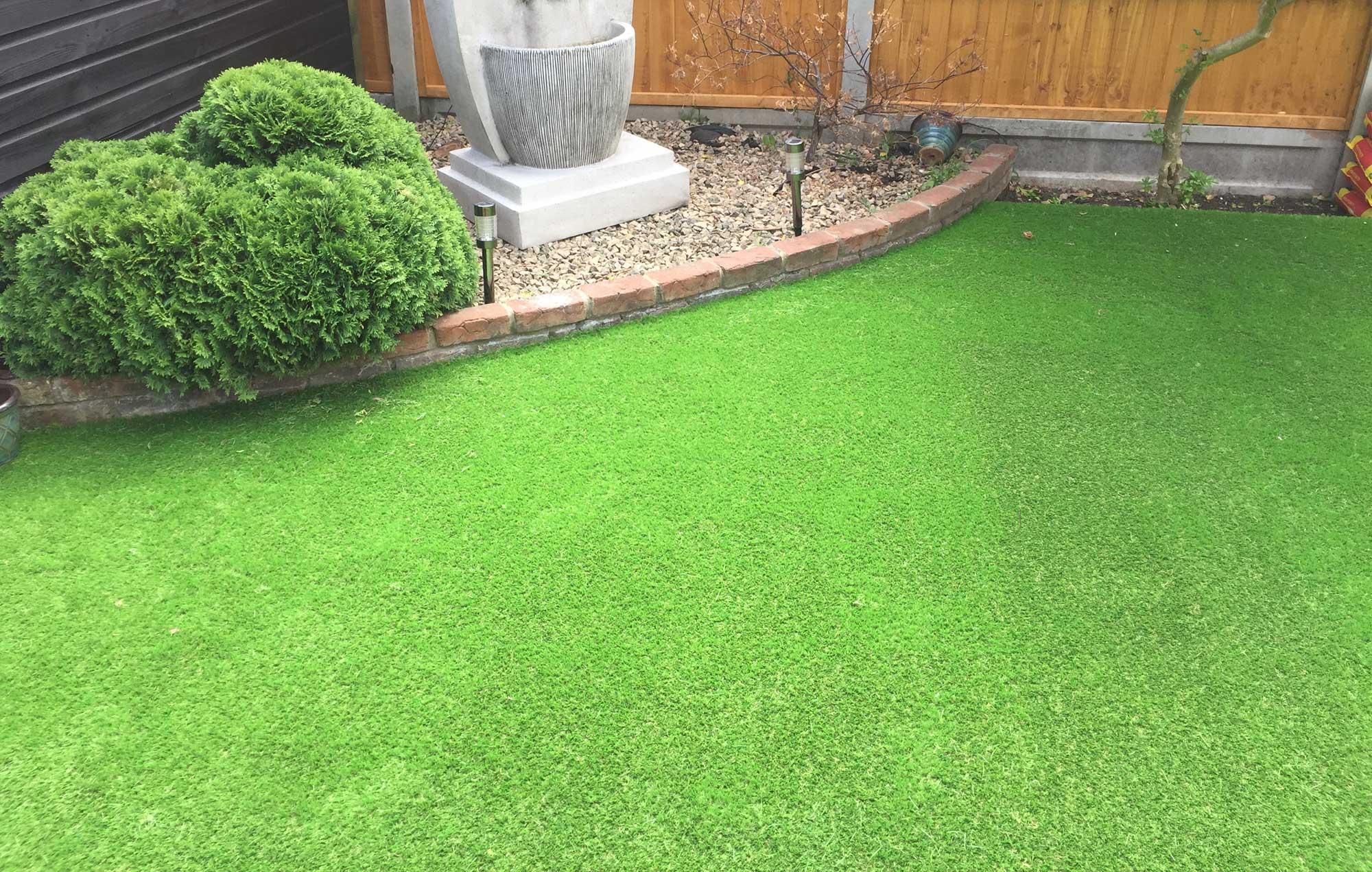 artifical grass lawn
